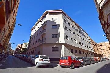 Appartamenti di 2 camere da letto usati nel centro di Alicante * in Ole International