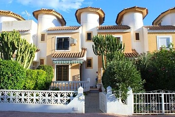 Rekkehus med 2 soverom i Playa Flamenca in Ole International