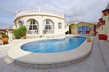 Large detached villa with pool near Villamartin  in Ole International