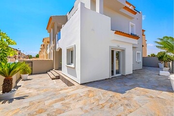 4 beds brand new penthouses/townhouses in San Pedro del Pinatar  in Ole International