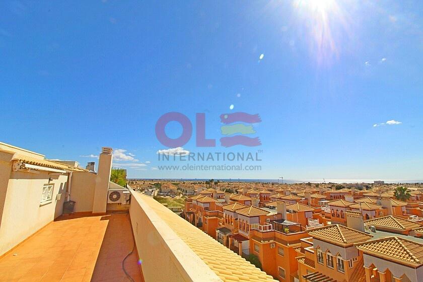 3 bedrooms penthouse with views in Playa Flamenca in Ole International