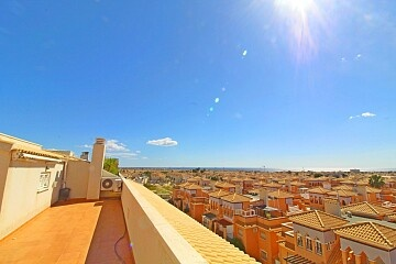 3 bedrooms penthouse with views in Playa Flamenca in Ole International