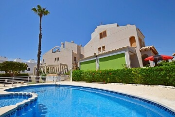 4 beds semidetached villa near the sea in north Torrevieja in Ole International