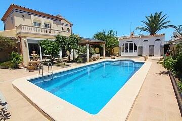 Vrijstaande villa met 6 bedden en privézwembad in La Florida in Ole International