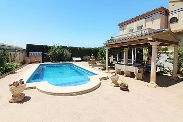 6 beds detached villa with private pool in La Florida  in Ole International