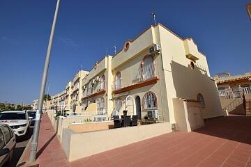 Dúplex de 3 dormitorios con solarium cerca de Villamartín in Ole International