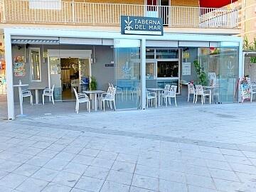 Restaurant à louer en bord de mer à Playa del Cura dans le centre de Torrevieja in Ole International