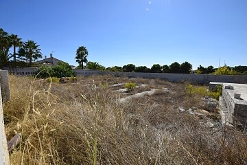Building plot in urb. San Luis near Torrevieja in Ole International