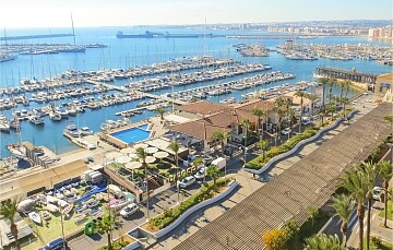 Brand new apartments by the promenade in Torrevieja in Ole International