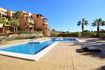 3 beds penthouse with amazing views in Villamartin in Ole International