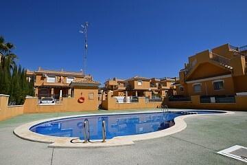 Hjørnehus med 3 soverom i Aguas Nueva in Ole International