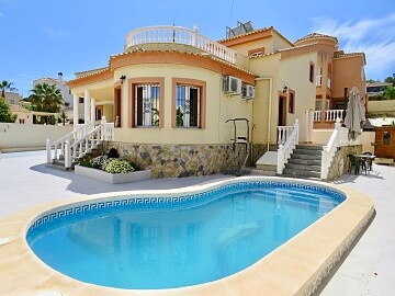 3 beds luxury detached villa near Campoamor Golf & San Miguel in Ole International