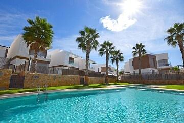 Gloednieuwe vrijstaande villa met 5 bedden in de buurt van Villamartin * in Ole International