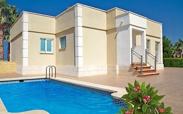 Detached Villa in Sierra Golf, Balsicas in Olé International