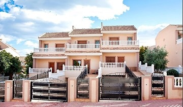 Townhouse in Los Altos, Torrevieja in Olé International