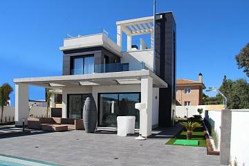 Detached Villa in El Campello in Olé International