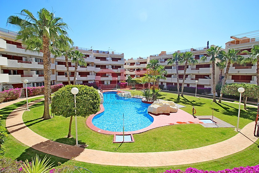 Апартамент в Playa Flamenca, Orihuela Costa - Вторичная недвижимость in Olé International
