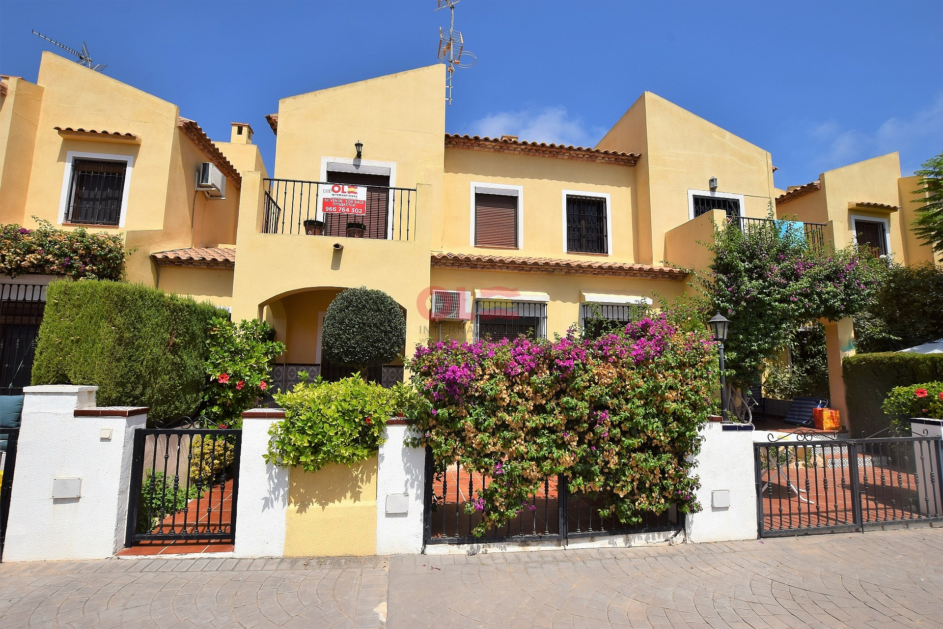 Ref:LE-14325 Townhouse For Sale in Orihuela Costa